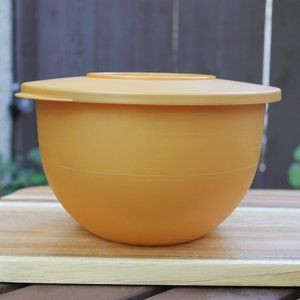 2.5L Gold Impressions Tupperware Bowl